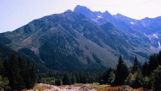 Maltempo, escursionista muore sull'Adamello. Frana in Valtellina: 80 persone isolate
