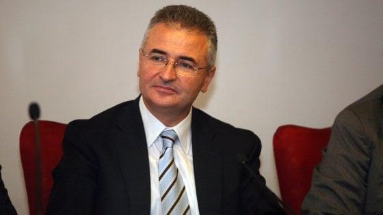 Bergamo, sindaco leghista multa fino a 15mila euro chi ospita migranti senza informare il Comune