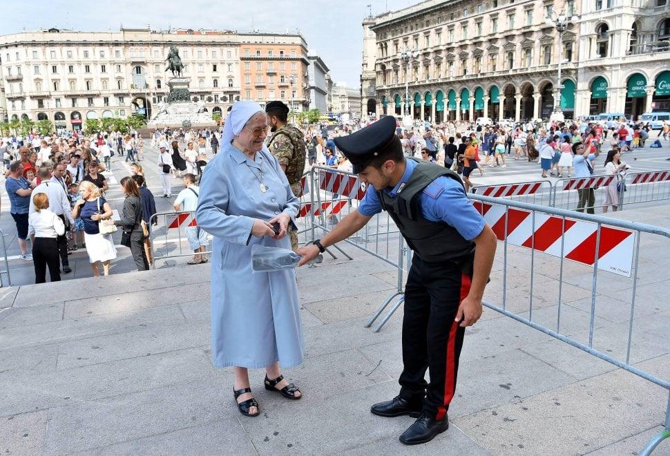 Sicurezza, Duomo blindato per i funerali di Tettamanzi: controlli con metal detector