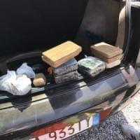 Cremona, nascondono droga nel cruscotto: due arresti, sequestrati 4,6 kg di eroina