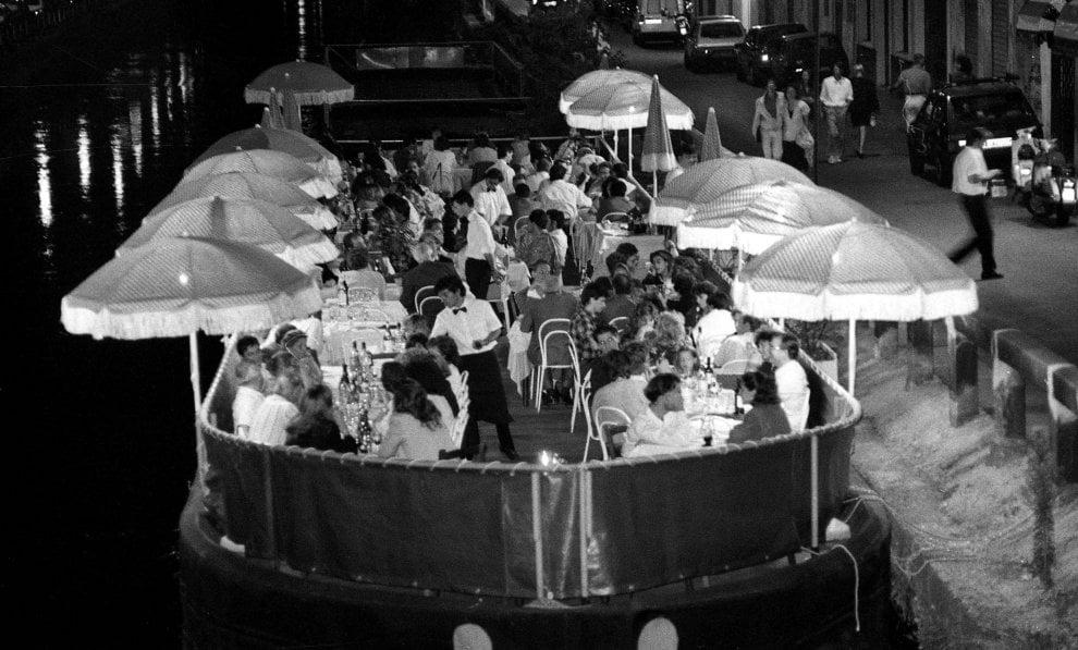 Barconi sui Navigli, una guerra lunga trent'anni: le immagini dagli anni Ottanta