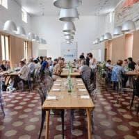 Milano, la solidarietà non va in vacanza: folla di volontari nelle comunità