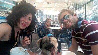 """La fidanzata di Luca, il 31enne ucciso da  un ubriaco al volante: """"'Sto arrivando' l'ultimo sms a pochi minuti dallo schianto"""""""