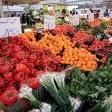 Via la licenza a 400 ambulanti morosi: Milano rilancia i mercati rionali