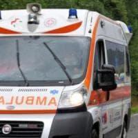 Suv invade la corsia opposta e si schianta contro un furgone e due auto, tre feriti nel Lodigiano