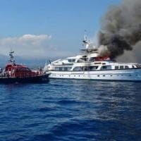 Nizza, alta colonna di fumo dallo yacht di Diana Bracco