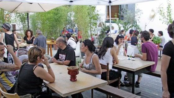 Boom di bar, ristoranti e locali a Milano: +35% dal 2011, 4 su 10 sono di stranieri