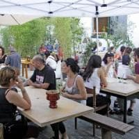 Boom di bar, ristoranti e locali a Milano: +35% dal 2011, 4 su 10 sono di