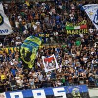 Milano, famiglia aggredita a San Siro da ultrà dell'Inter: feriti padre