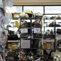 Dai documenti alle scarpe, in sei mesi oltre 20mila oggetti smarriti dai
