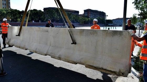 Terrorismo: ecco le barriere in Darsena, poi in Montenapoleone. Sì all'appalto per i pilomat