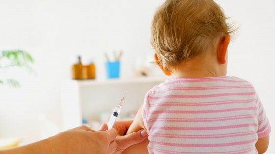Vaccini obbligatori a scuola, il vademecum dell'ospedale: in regola e non, ecco cosa fare