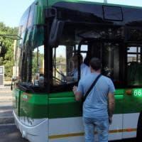 Milano, raid punitivo dopo la lite sul bus per il cane senza museruola: coppia denunciata
