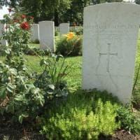 Milano, il mistero di Margaret: l'unica donna sepolta nel cimitero di guerra