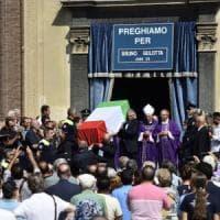 Barcellona, a Legnano chiesa gremita per i funerali di Gulotta.