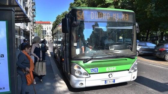 Trasporti Milano, dopo le polemiche indietro tutta sui tagli: metrò a regime, novità per bus e tram