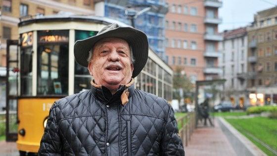 Milano, un codazzo di tram per ricordare Nanni Svampa