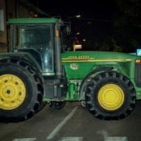 Terrorismo, la sindaca del Bresciano che usa i trattori come barriere: