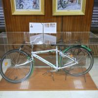 Milano, omaggio a Savarino: la bici del vigile ucciso in servizio esposta in una teca