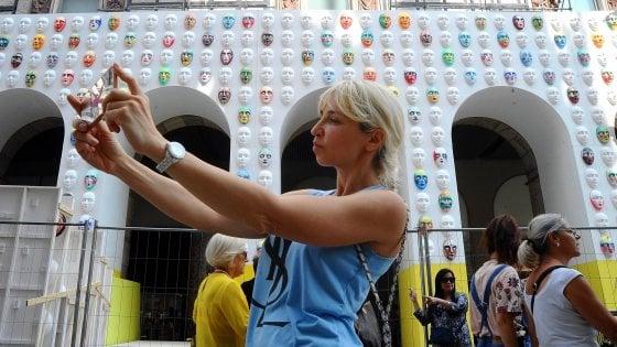 Milano Fashion Week: alla Scala gli Oscar della moda green, un giardino in piazza e installazioni XL