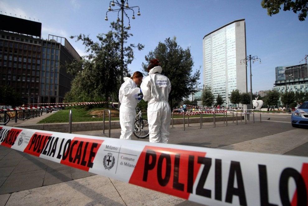 Milano, giovane accoltellato davanti alla stazione Centrale