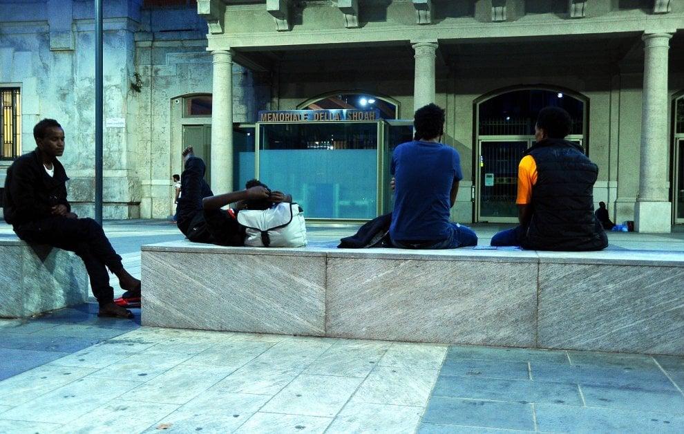 Migranti Milano, nel Memoriale della Shoah un riparo per chi fugge da guerre e persecuzioni