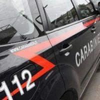 Varese, nascondevano la cocaina nei pannolini dei loro figli: coppia arrestata