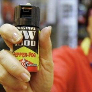 Pavia, spray al peperoncino in discoteca: 14 intossicati, ladri approfittano per rubare le borse