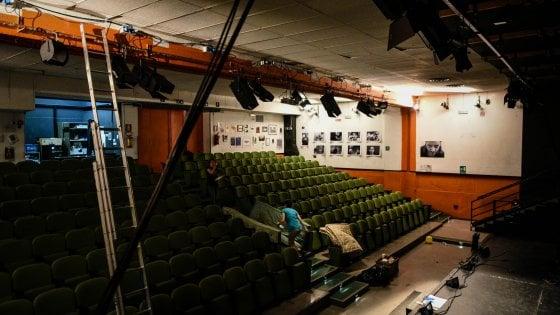Milano, addio al Ringhiera: una notte bianca per salutare lo storico teatro