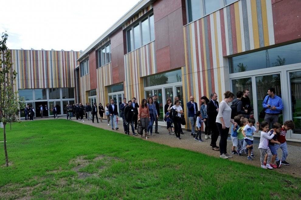 Ambiente, Gentiloni inaugura la scuola green di Cernusco