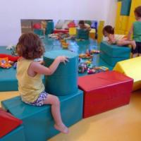 Vaccini a scuola, a Milano 19 bambini restano fuori. Una famiglia no vax chiama i...