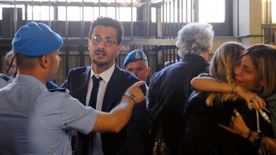 """Fabrizio Corona, per i giudici """"non è un delinquente professionale"""": le motivazioni della condanna 'light'"""