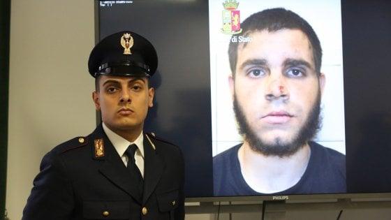 Milano, accoltellò militari e poliziotto in stazione Centrale: perizia psichiatrica per Hosni