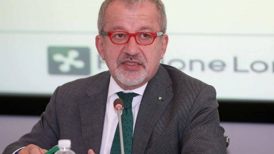 Referendum autonomia, la campagna elettorale congela il processo a Maroni