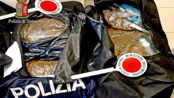 Milano, droga e banconote false: arrestato figlio boss Pompeo, 51 kg di marijuana sequestrati