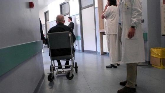 """Monza, tangenti protesi. Uno dei chirurghi arrestati si difende: """"Non erano scadenti"""""""
