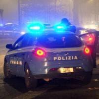Milano, cerca di violentare una donna di 28 anni per strada: i passanti