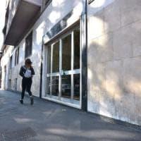Milano, cerca di violentare una donna di 28 anni per strada: i passanti bloccano...