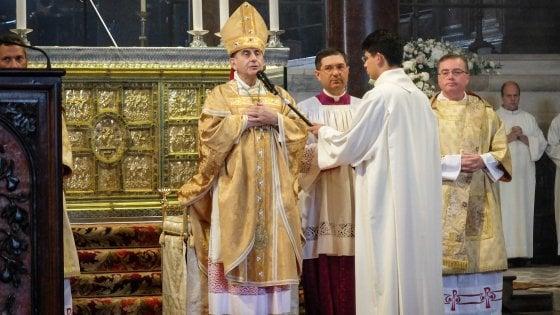 Milano, l'insediamento del nuovo arcivescovo: Mario Delpini sulla cattedra di Sant'Ambrogio