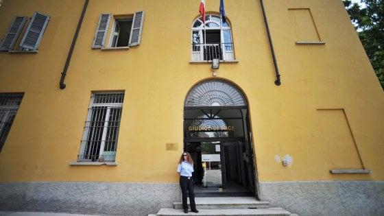 Ufficio Per Stranieri Milano : Milano arrestati sette poliziotti facilitavano i permessi di