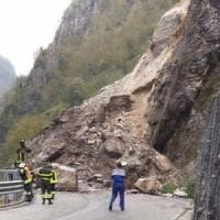 Bergamo, grossa frana in val Taleggio: circolazione chiusa sulla strada degli Orridi