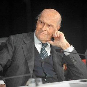 Le ceneri di Umberto Veronesi nel Famedio entro fine anno, c'è l'ok del consiglio comunale