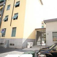 Milano, bimba di 3 anni sola in casa cade dal balcone: al vaglio la posizione della madre