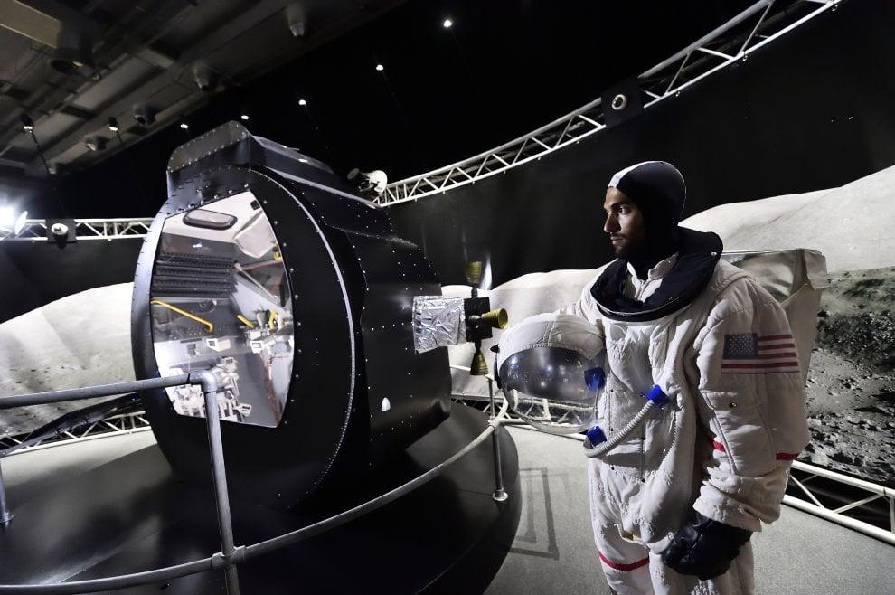 Avventure nello spazio in mostra a milano i cimeli della for Mostra nasa