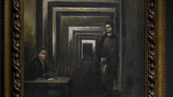 Tenta di squarciare quadro di Hitler al MuSa di Salò: fermato