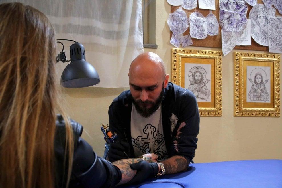 """Nicolai Lilin apre il Marchificio: """"I miei tatuaggi siberiani sulla pelle dei milanesi"""""""