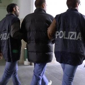 Pedofilia, abusi su una bambina di sei anni a Milano: il fermato non risponde al gip