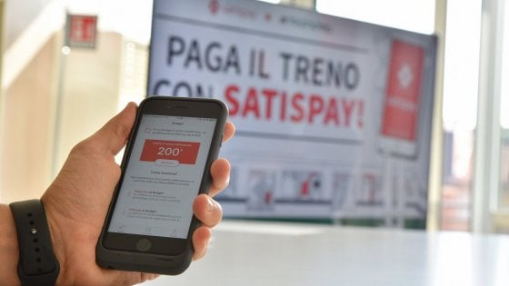 Milano, Trenord: il biglietto del treno si paga con lo smartphone