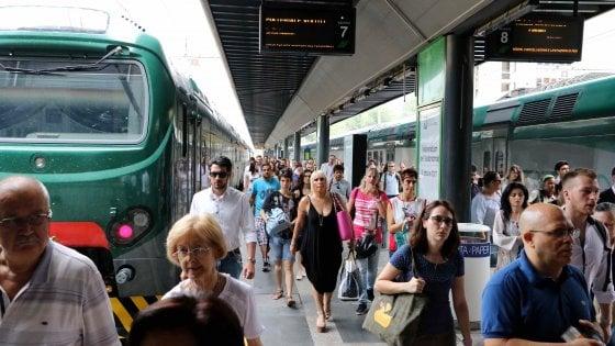 Milano, piano pendolari: Trenord ristruttura 278 vecchi vagoni in attesa dei nuovi