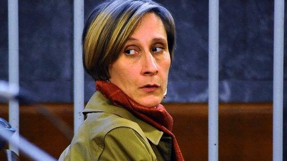 Omicidio con la katana, condannata a 12 anni per aver ucciso il compagno a Milano